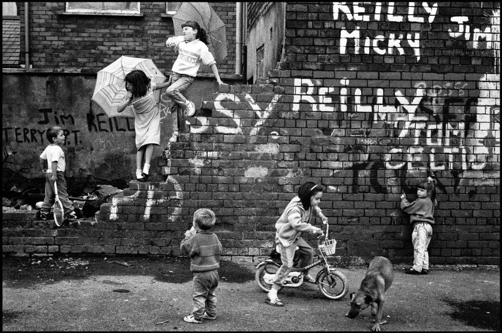 Quartier catholique de Divis Flats. Belfast, Irlande du Nord, juillet 1988